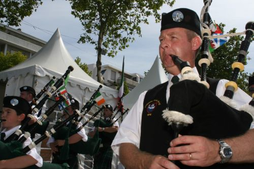 Festival Interceltique Lorient 2004 - Youghal Pipe Band (143)