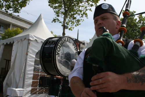 Festival Interceltique Lorient 2004 - Youghal Pipe Band (145)