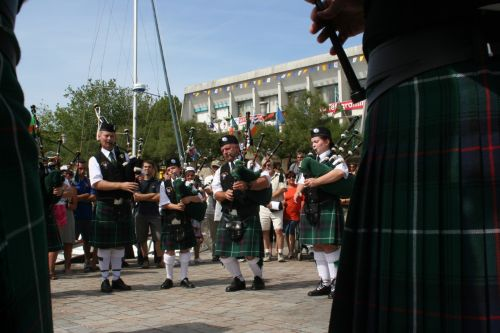 Festival Interceltique Lorient 2004 - Youghal Pipe Band (152)