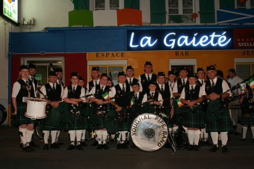 Festival Interceltique Lorient 2004 - Youghal Pipe Band (65)