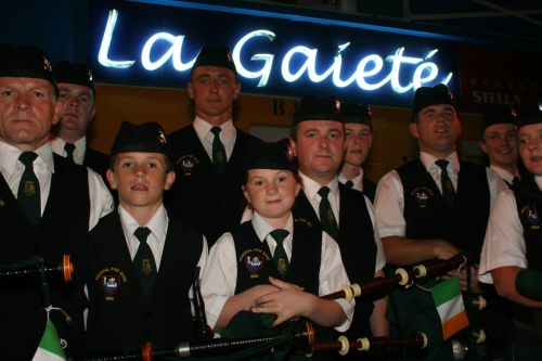 Festival Interceltique Lorient 2004 - Youghal Pipe Band (67)
