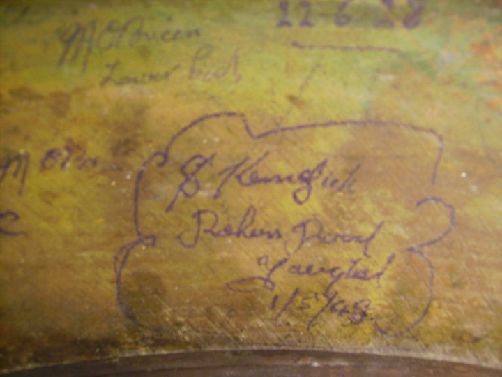 old-drum-past-members-signatures-found-youghal-pipe-band (10)